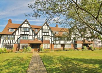 3 bed flat to rent in Inverness Court, Queens Drive, Acton W3
