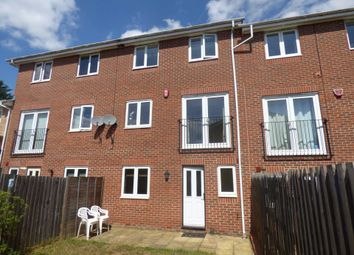 Thumbnail 5 bed property to rent in Primrose Close, Luton