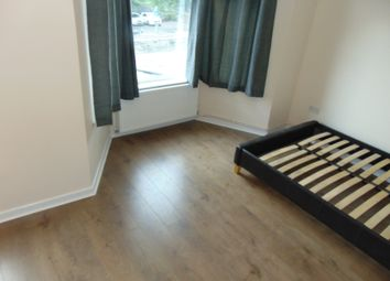 Thumbnail 1 bed flat to rent in High Road, Seven Kings