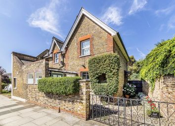 3 bed property for sale in High Street, Hampton TW12