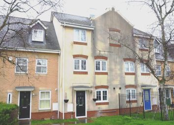 4 bed terraced house to rent in Hutton Close, Leagrave, Luton LU4