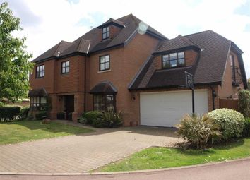 Thumbnail 6 bed detached house to rent in Rossendale Close, Enfield, Middlesex