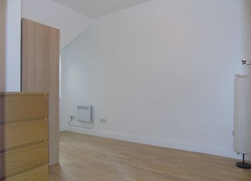 Thumbnail 4 bed shared accommodation to rent in Cherry Orchard Road, Croydon