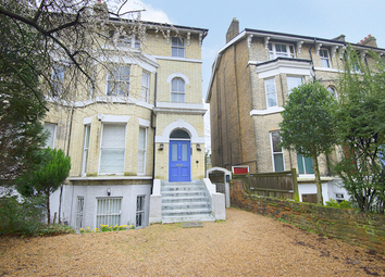 Vanbrugh Park, Blackheath SE3. 2 bed flat for sale