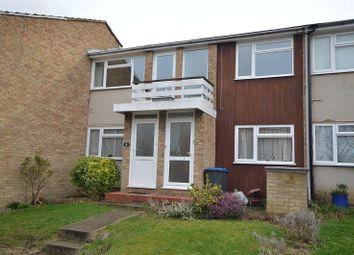 2 bed maisonette to rent in Harrow Close, Chessington, Surrey KT9
