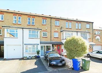 5 bed terraced house to rent in Keats Close, Bermondsey SE1