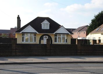 Thumbnail 3 bedroom detached bungalow to rent in Cricklade Road, Swindon
