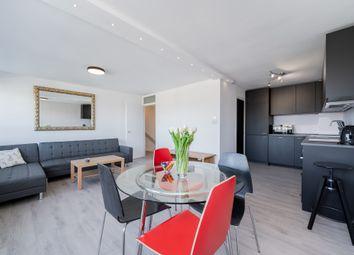 Thumbnail 1 bed flat to rent in Bullen Street, Battersea, London