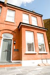 Thumbnail 2 bed flat to rent in Kingsmead Road, Tulse Hill