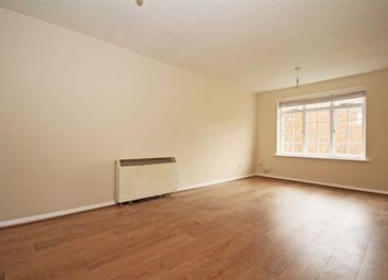 Thumbnail 1 bed flat to rent in Cromwell Close, London
