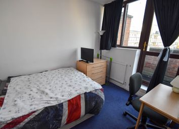 Thumbnail Room to rent in Crondall Street, Hoxton, Old Street, Islington