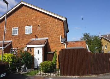 Foxglove Lane, Chessington KT9. 2 bed end terrace house
