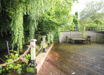 Thumbnail 3 bed terraced house for sale in Two Waters Road, Hemel Hempstead