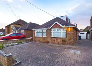 4 bed property for sale in Meadow Road, Ashford TW15