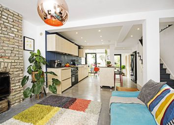 Thumbnail 3 bed property for sale in Kenmure Road, Hackney