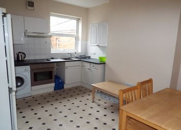 Thumbnail 5 bed flat to rent in Commercial Road, Southampton