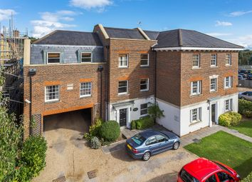 Thumbnail 3 bedroom flat to rent in 15 Station Road North, Merstham, Redhill