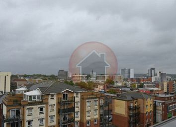 Thumbnail 3 bedroom flat to rent in High Street, Southampton