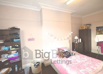 Thumbnail 5 bed flat to rent in 23 Kelso Road, Hyde Park, Five Bed, Leeds