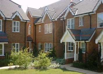 Thumbnail 2 bed flat to rent in Alston Gardens, Maidenhead, Berkshire
