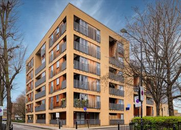 Tria Apartments, Durant Street, London E2. 3 bed flat for sale