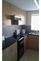 Thumbnail Room to rent in Berenger Close, Swindon