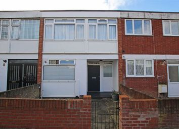 Thumbnail 4 bed property to rent in Swanwick Close, London