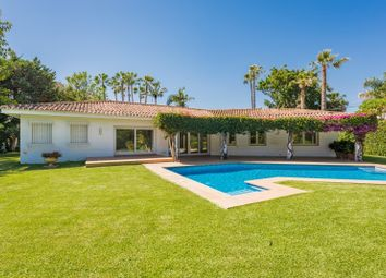 Thumbnail 4 bed villa for sale in San Pedro De Alcantara, Costa Del Sol, Spain