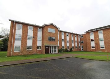 2 bed flat to rent in Valerie Court, Bath Road, Reading RG1