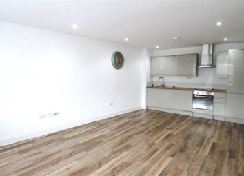 2 bed flat to rent in Buckingham Street, Aylesbury HP20