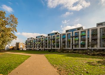 Thumbnail Flat for sale in Blackthorn Avenue, London