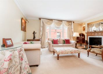 2 bed mews house for sale in Groom Place, London SW1X
