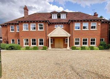 Thumbnail 6 bed detached house to rent in The Ridgeway, Cuffley, Potters Bar