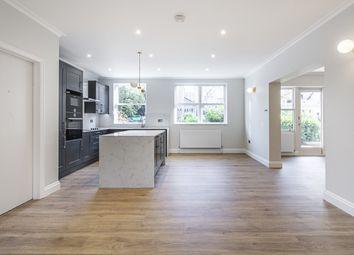 Thumbnail 3 bedroom flat to rent in Ennismore Gardens, London