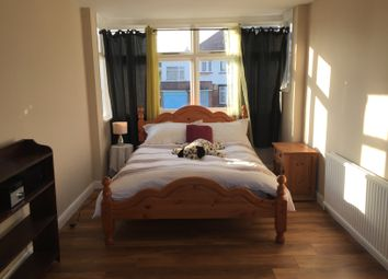 Thumbnail Room to rent in Malford Grove, South Woodford, London