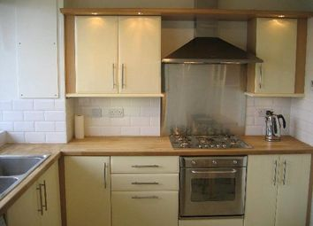 2 bed flat to rent in Harris House, London SW9