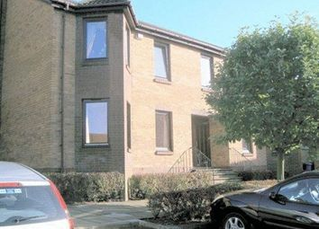 Thumbnail 1 bed flat to rent in The Kyles, Kirkcaldy