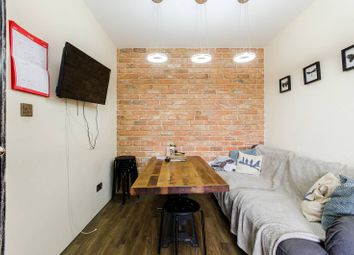 Thumbnail 4 bed maisonette to rent in Weymouth Terrace, Hoxton