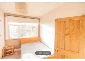 Room to rent in Ladbroke Road, Enfield EN1