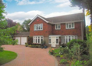 Thumbnail 4 bed detached house to rent in Shaftesbury Road, Woking