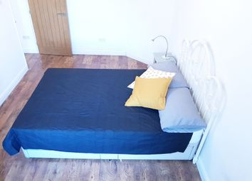 Thumbnail 4 bed shared accommodation to rent in Templecombe Road, London