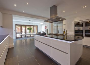 5 bed property to rent in Primrose Gardens, London NW3