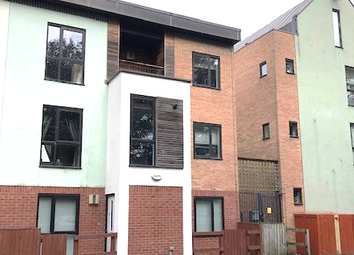 3 bed town house to rent in Hulton Street, Salford M5