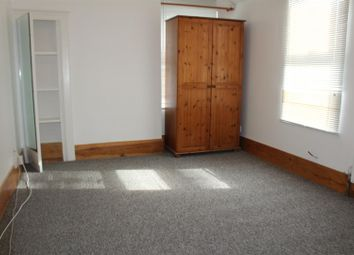 Thumbnail 1 bedroom property to rent in Queens Road, London
