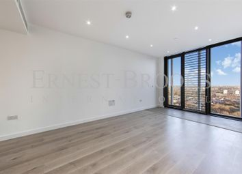 Thumbnail 1 bed flat to rent in Stratosphere Tower, Stratford