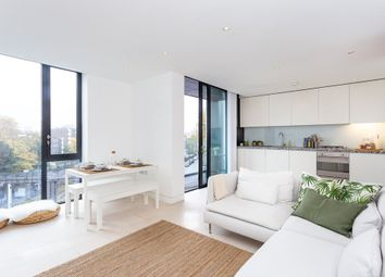 Thumbnail 2 bedroom flat to rent in Oval Road, London