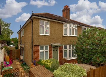Weston Park, Thames Ditton KT7. 3 bed maisonette