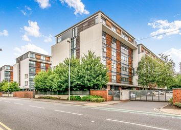 2 bed flat for sale in Broadway, Salford M50