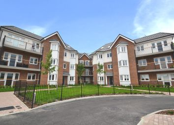 Thumbnail 2 bed flat for sale in Park Terrace East, Horsham