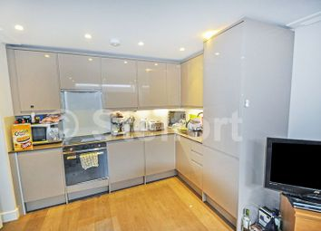 3 bed maisonette to rent in Hornsey Road, London N7